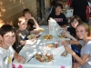 9-grandchildren-enjoying-the-crab-feast_0